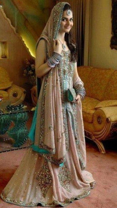 Pakistani maxi dresses for weddings 2018