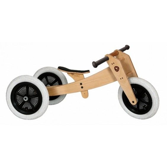 This environmentally sustainable Wishbone wooden bike grows with your little one. It starts at age 12 months as a trike, converts to a running bike, and by 4-5 years of age, the frame can be flipped to make it one of the largest running/balance bikes on the market. A great investment! #woodentoys #entropytoys #bike #woodenbike #woodenwonders