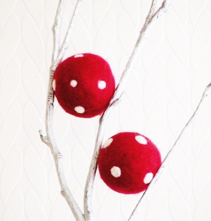 26 best polka dot christmas images on pinterest dots for Polka dot felt fabric