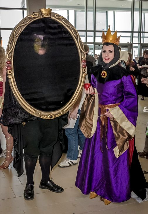 Evil Queen and Magic Mirror Cosplay by PetiteMascarade on ...