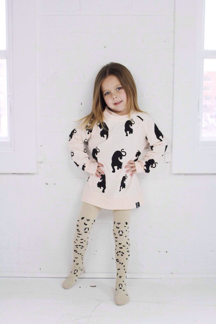 Here another view of the tights! Panther jumper to arrive end of JAN / FEB
