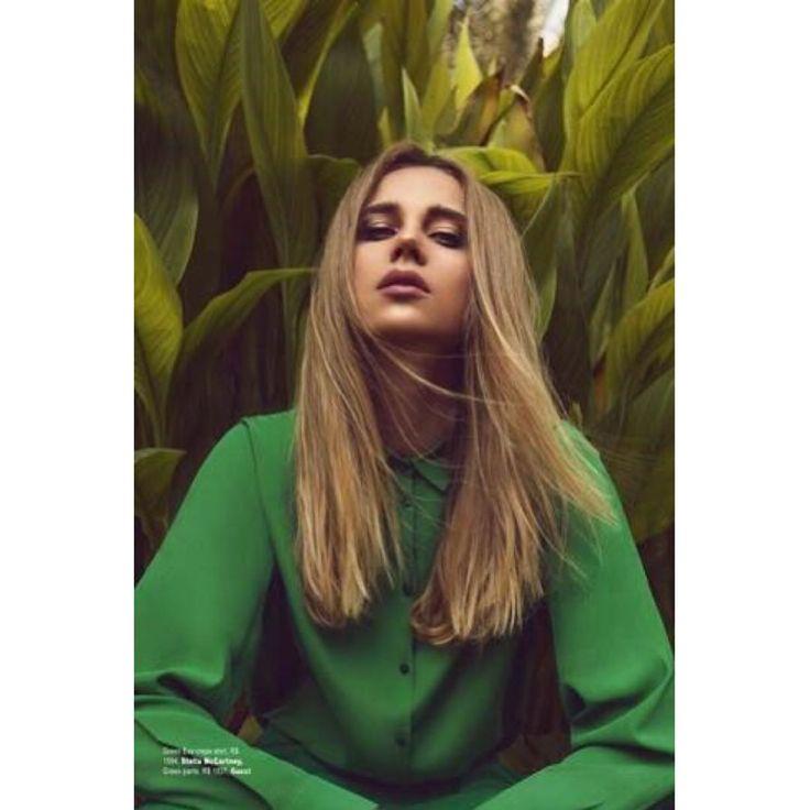 . . Celine and Harper's BAZAAR 🐚🌙✨🐚🌙✨🐚🌙✨🐚 Hair & Make by @biancahartkopf . . 暑い夏も涼しくなるような、 グラフィックです❄️❄️❄️ . . #biancahartkopf #bianca #biancahartmakeup #hairmake #hairmakeup #hair #make #makeup #artist #hapersbazaar #magazine #fashion #fashionphotography #photo #summer #celine