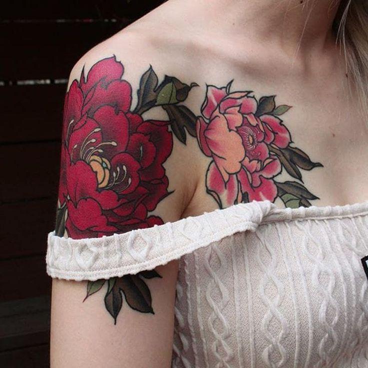 Feminine shoulder piece by Yuuz Tattooer (via IG-yuuztattooer) #floral #flowers #color #illustrative #japaneseinspired