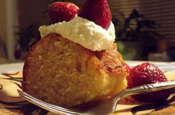 A simple cakeCake Recipe, Foodistacom Cake, Simple Cakes, Foodistacom Foodies, Catherine Gourmet, Simply Sweets, Favorite Recipe, Whipped Cream, Foodista Com Cake
