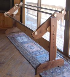 How to build a heavy-duty quilting frame. Kit with moving parts and gears available for 99 bucks at http://www.hinterberg.com/prod-Easy_Build_Quilt_Frame_Kit-7.aspx