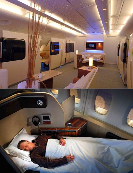Qantas A380. Cabina de primera clase, mas lujosa que muchos hoteles del mundo. Al realizar vuelos ultralargos, la aerolinea australiana ofrece estas comodidades a precios que estan al alcance de pocos.