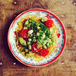 We kregen van onze blogger Kim drie makkelijke receptenom gezond te lunchen met ei. Je hebt het zo gemaakt. 's Avonds even de lunch voor de volgende dag voorbereiden, geeft je de volgende ochtend heerlijke rust en een heerlijke lunch. De gerechten van Kimzien er heerlijk uit! Wij Nederlanders zijn gek op boterhammetjes. Veel mensen.... lees verder