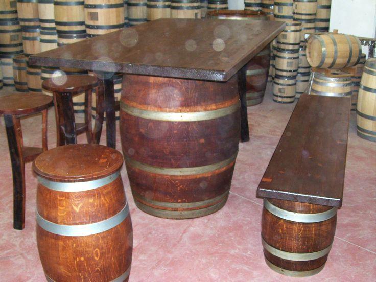 1280 - #Tavolo da #birreria e #osteria da 1,5 metri con #panca a corredo o #sgabelli treppiede e a #botte. Tel.0547 310171
