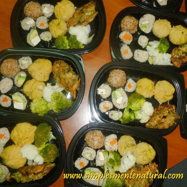 Sushi Bolinhas de grão e pesto Tempura mista Legumes escaldados com maionese mista
