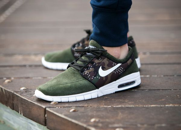 competitive price 7aa84 59617 Nike Janoski Max Suede Sequoia Camo   Sneakers   Shoes, Mens fashion shoes,  Sneaker boots