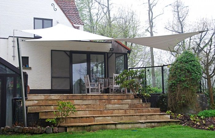 zo mooi voor onze tuin!! En helemaal perfect omdat het zeil ook kan worden opgerold wanneer je wel zonlicht wil. Het ideale alternatief voor een veranda wanneer je geen permanente overkapping wilt.