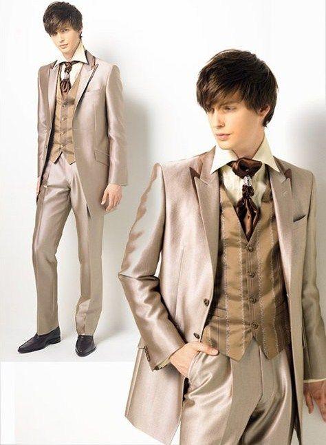 Kain jas pria keren dari jenis bahan semi wool yang nampak kinclong tapi elegan dan bikin penampilan semakin berkelas. Jas pria yang beginian pastinya termasuk barang mewah yaa..