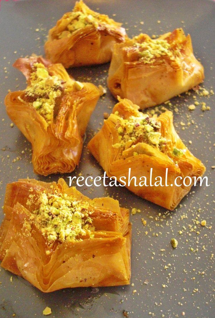 Dulce sirio de frutos secos  http://www.recetashalal.com/dulce-sirio-de-frutos-secos/