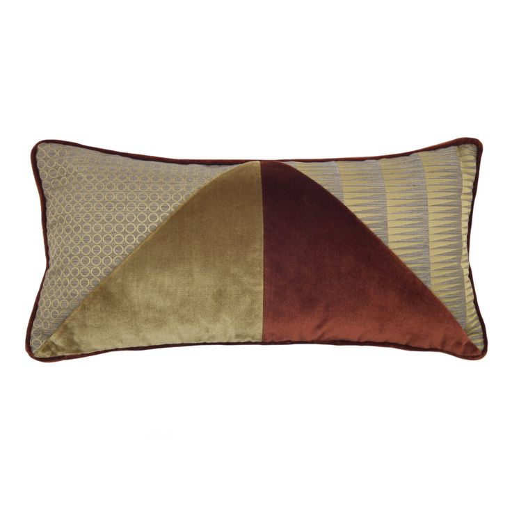 This haute couture cushion features a cover that mixes silk velvet triangles in gold and deep crimson, and elegant Vertigo fabrics by L'Opificio that add a dynamic accent with their striking patterns. The padding is hypoallergenic and the cover is completely removable.