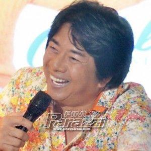 Willie Revillame, kinakapa pa ang bagong game show http://www.pinoyparazzi.com/willie-revillame-kinakapa-pa-ang-bagong-game-show/