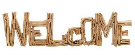 Welcome Driftwood Sign: http://www.completely-coastal.com/2015/10/driftwood-decor-accessories.html