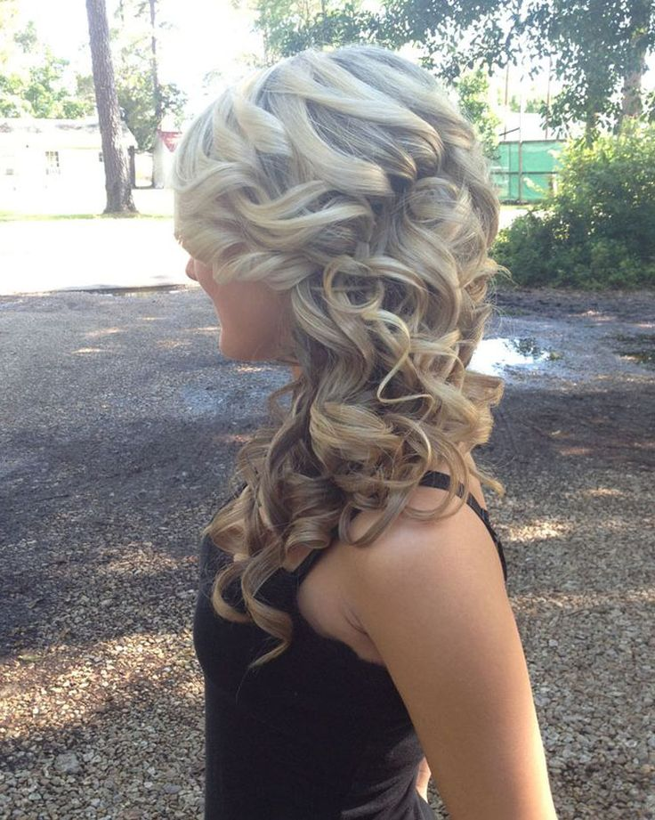 homecoming hair style 17 best ideas about prom hairstyles on 8362 | 877fa696f00a789bec9c5d3a974bc8e9