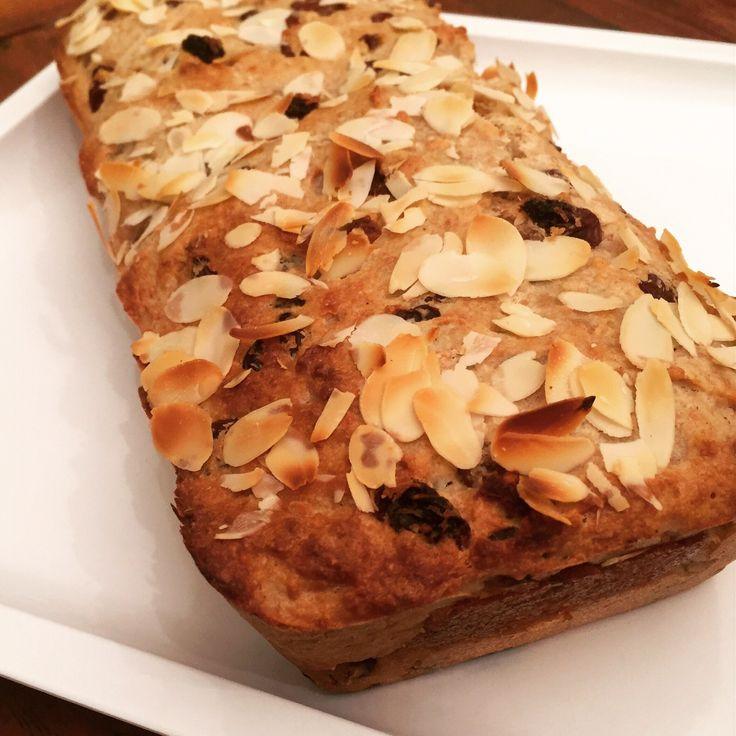 Zoals beloofd zou ik ook een recept voor een normale Luxe vegan Paasstol met jullie delen. Je kunt kiezen uit twee varianten, gewoon Paasbrood of Paaskwarkbrood. Ik had namelijk nog creamy kokosyog…