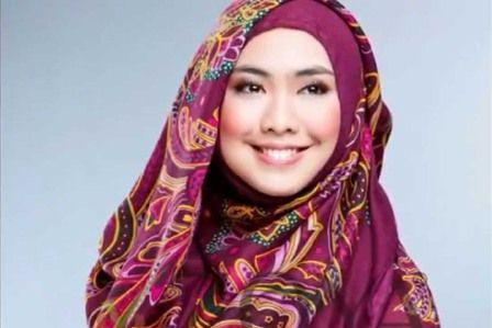Gaya Hijab Artis Terbaru 2016 - http://aimynasywa.com/2016/03/gaya-hijab-artis-terbaru-2016.html