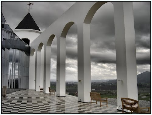Viña Indomita - Valle de Casablanca, Chile.  Lovely place, good wine and terrific food!