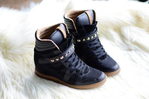 Selling this #zara shoes size 40(italian) on depop_29 Euro_Visit my depop @federica_ardizzoni  Vendo queste #scarpe zara con #zeppa interna stile #isabel #marant a soli 29 euro. Come nuove. Visitate il mio depop @federica_ardizzoni