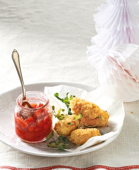 Goat's milk cheese croquettes with strawberry and apple chutney