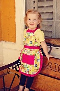 toddler apron tutorial - Ambrey needs one of these for her crafting time so she stops staining all of the new clothes!