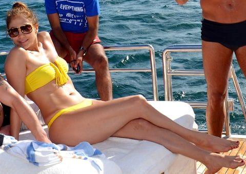 Jennifer Lopez | The Hottest Celebrity Bikini Bodies