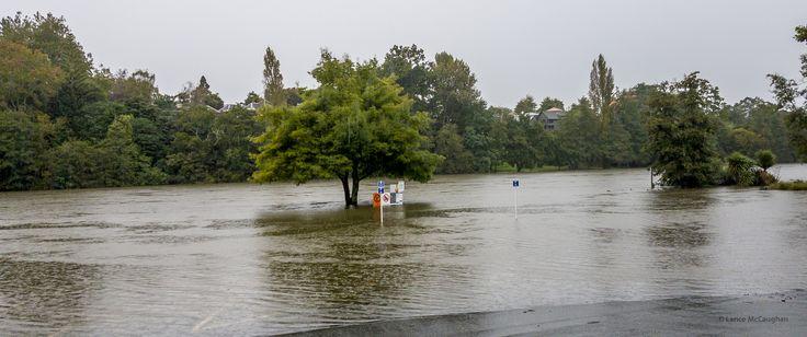 https://flic.kr/p/Teb6wf | Flooded Waikato River April 2017