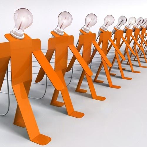 Moonwalk - Lampe A Poser design Orange (haut 32cm) by Thomas De Lussac - 99€