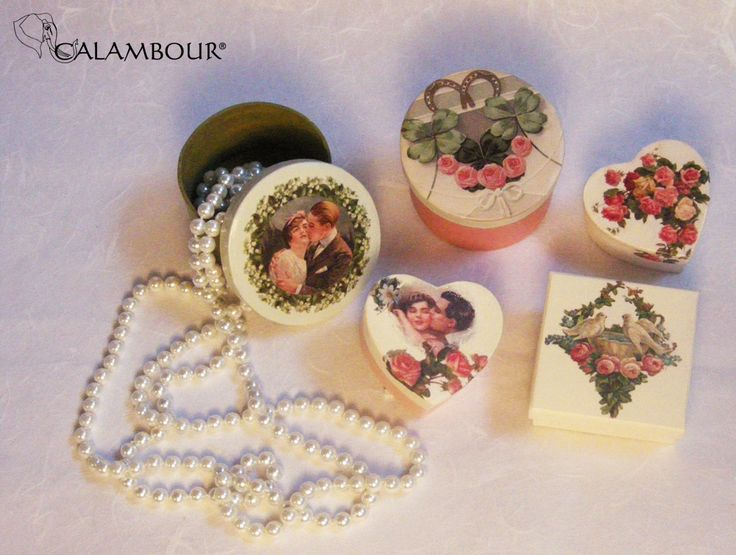 SWEET BOXES DECORATED WITH CALAMBOUR PAPER http://www.calambour.it/it/le-nostre-carte/carte-di-riso/pau.html#!Pau_031