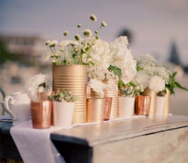 Spray paint tin cans for flowers wedding flowers pinterest tin cans tins and centerpieces - Diy tin can ideas ...