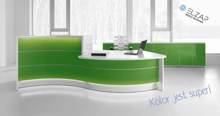 Nie bójmy się kolorów i dajmy się porwać najnowszym trendom! Lada recepcyjna w intensywnym kolorze zieleni to HIT!  #style #elzap #trendy #design  #colors #office #work #workspace
