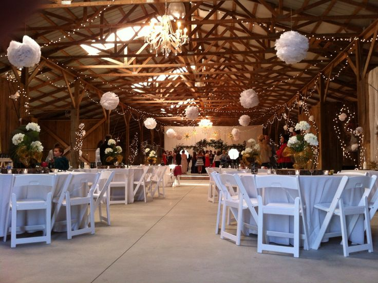Dancing The Night Away At Bluegr Wedding Barn In Danville Ky