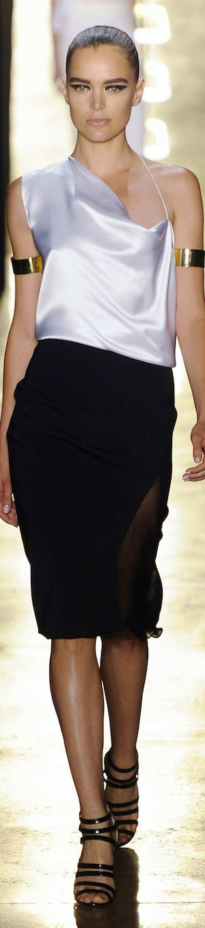 SPRING 2015 RTW......featuring Cushnie et Ochs Pinned by Maria via LookandlovewithLolo