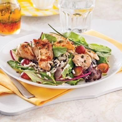 Salade de poulet, riz sauvage et raisins - Soupers de semaine - Recettes 5-15 - Recettes express 5/15 - Pratico Pratique