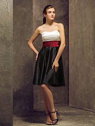 trecho comprimento dama de honra do joelho vestido de cetim uma linha de vestido sem alças (1040139)   LightInTheBox