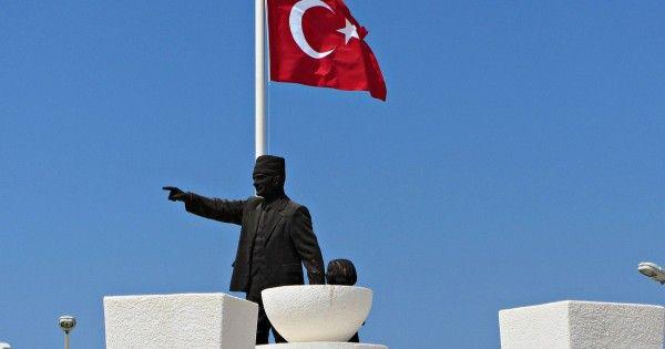 Η δυστυχία του να είσαι Έλληνας Πομάκος βαρύνει εξ ολοκλήρου όλες τις ελληνικές κυβερνήσεις - Η Τουρκία εμφανίζεται ως προστάτης των μουσουλμάνων ακόμα κι αν δεν μιλάνε τουρκικά για να τους αφανίσει.