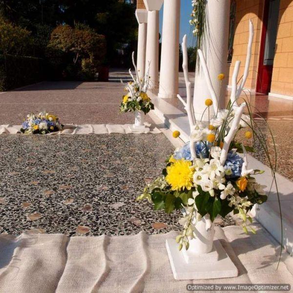 βάση δεντράκι απο λευκά θαλασσόξυλα για στολισμό διάδρομου εκκλησίας & σκαλιών