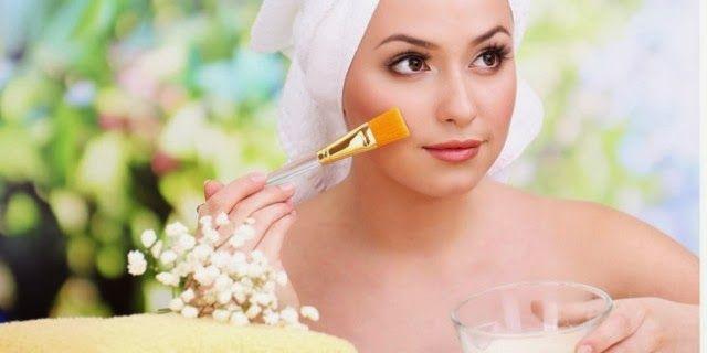 Cara Cantik Menggunakan Kuning Telur - Telur sudah digunakan sejak lama sebagai salah satu bahan perawatan kulit dan rambut. Walau banyak yang tak tahan dengan bau amisnya yang sulit hilang, namun manfaat luar biasa yang didapatkan membuat mereka melupakan bau mengerikan tersebut di wajah mereka.