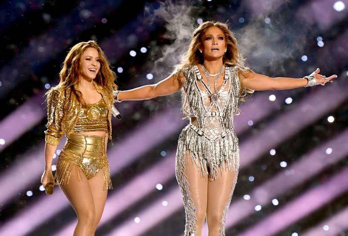 Super Bowl Half Time Jennifer Lopez Is 50 Shakira Is 43 Wow Shakira Jennifer Lopez Shakira Dance