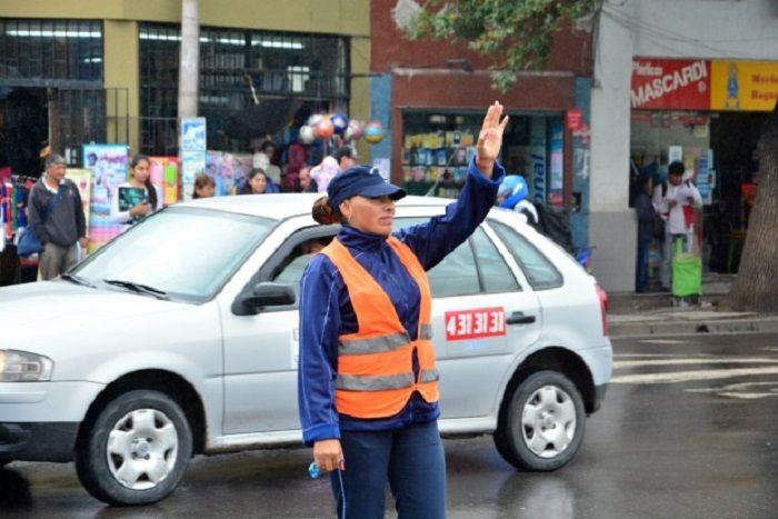 Pierden los conductores: Por el Día de la Mujer, habrá atención reducida en Tránsito: Un Concejo Deliberante sin sesionar. La UNSa sin…