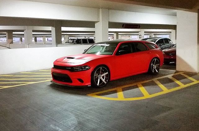 2007 Dodge Magnum with a 2015 Charger Hellcat front end conversion