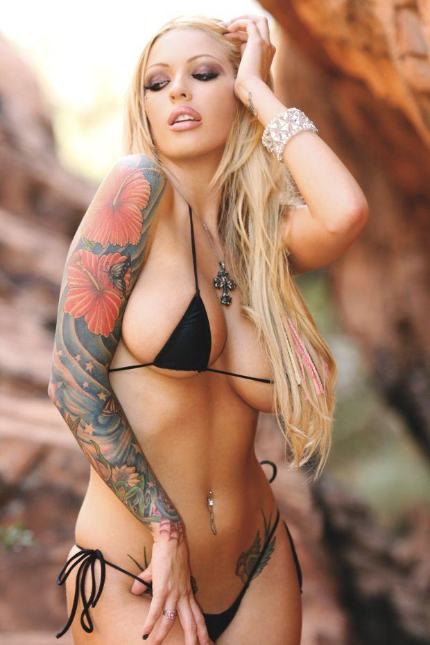 Megan : Inked Girls :: Tattooed Girls Model Search