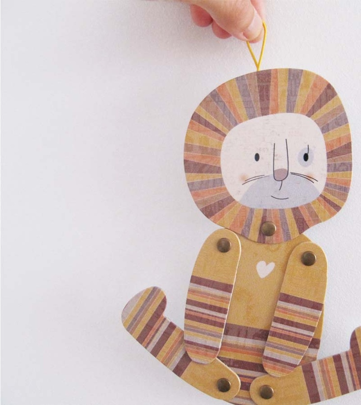 Lucas lion, articulated paper animal