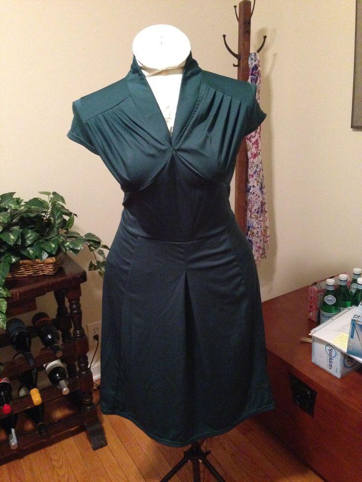 XL Emerald Green Vintage Dress $25 shipped