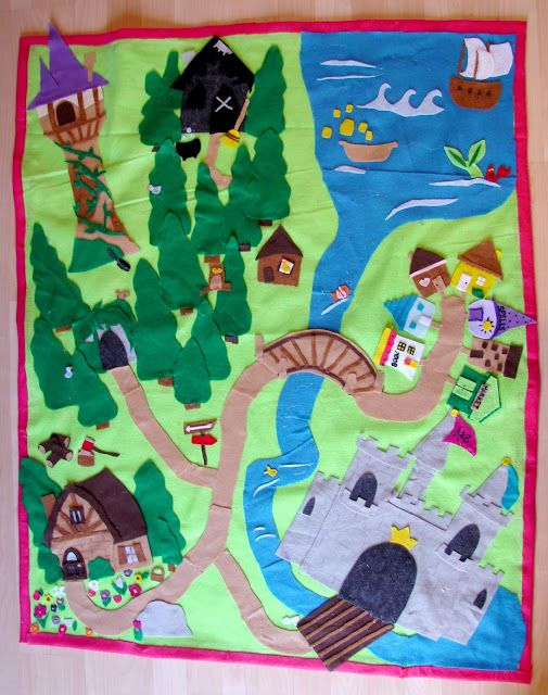 Princess felt play mat....Sydney's turn for a play mat.