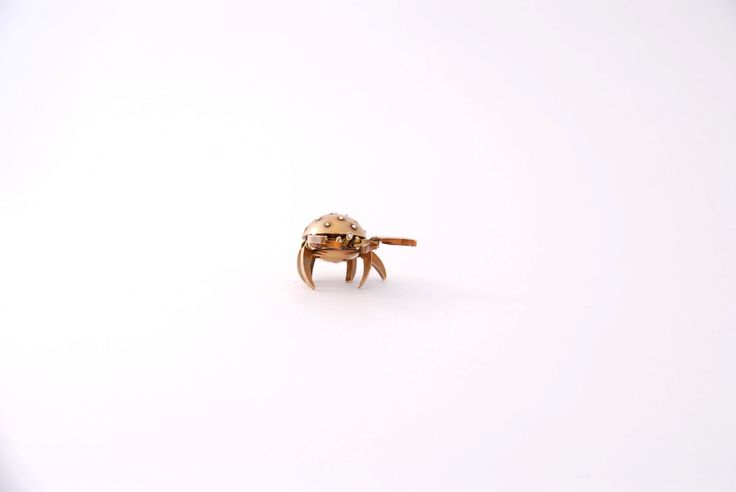 Cwabb. Steampunk miniature made from silver rivets and brass. 2 x 2 x 2,5 cm.  The Cwabb Stance!  Photo: Hanna Silander