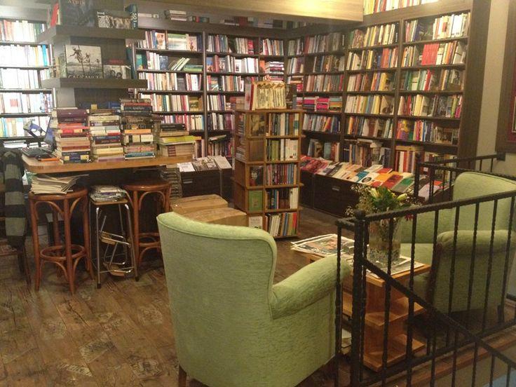 İşte, İstanbul'daki muhteşem 10 kitap kafe!