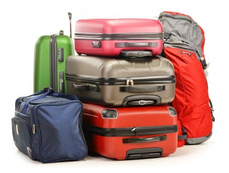 Valigia o borsone? Quale scegliere? #BorsoneDaViaggio, #ComeScegliereUnBorsone, #ComeScegliereUnaValigia, #ConsigliScegliereValigia, #Valigia, #ValigiaOBorsone, #Valigie http://shopping.cudriec.com/valigia-o-borsone-quale-scegliere/